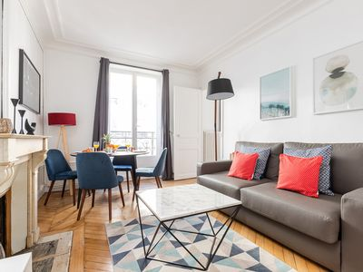 Photo for CHARMING APARTMENT CLOSE TO THE SEINE AND THE LATIN QUARTER