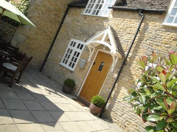 'Jasmine Cottage' Bourton on the Water - Within a Short Stroll From The Village