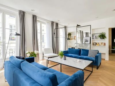 Photo for Spacious and bright apt near the Opéra