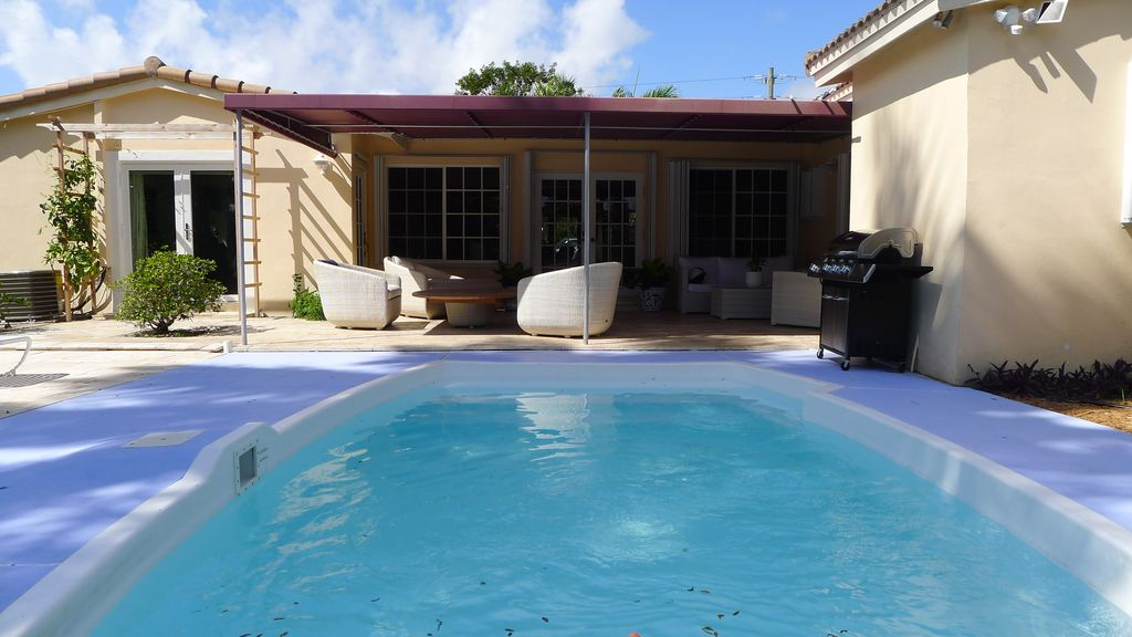 Luxurious Tropical Style 4 Bedroom Family Vacation Home   Private Pool