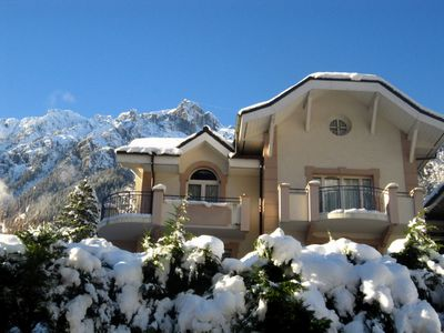 Photo for Gorgeous 2 bedroom apartment in Chamonix with terrace, amazing views & Free WiFi