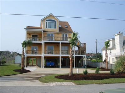 Photo for Clean, renovated family vacation home at the Point. Wide, soft sand beach!