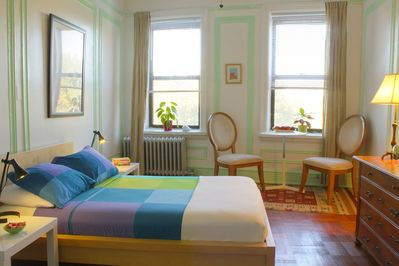 Cozy, bright and huge - my guest room with double bed