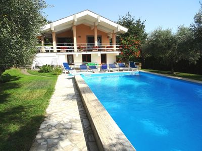 Photo for Exclusive villa for 12 plus infant near Rome private pool and park.