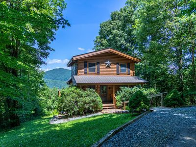 Photo for Apple of my Eye -Between Boone & Banner Elk.. Mountain Views - Hot Tub - Private - Pet Friendly