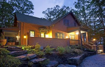 Breathtaking Arts & Crafts Home - Restful Mountain Retreat In Warm Springs.