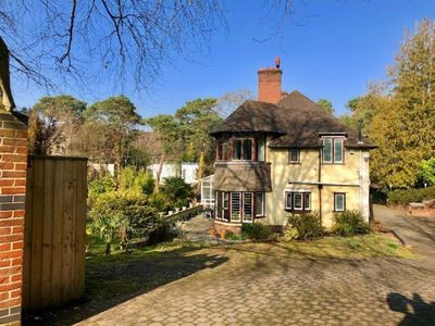 Photo for Forest Glade - Six Bedroom House, Sleeps 18