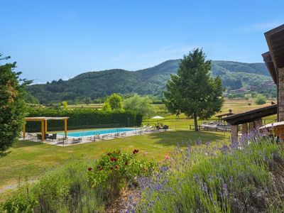 Photo for Villa, large private pool, mountain views, walk to restaurant. WIFI.Woodoven