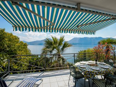 Photo for Cordan apartment with terrace lake view in Oggebbio