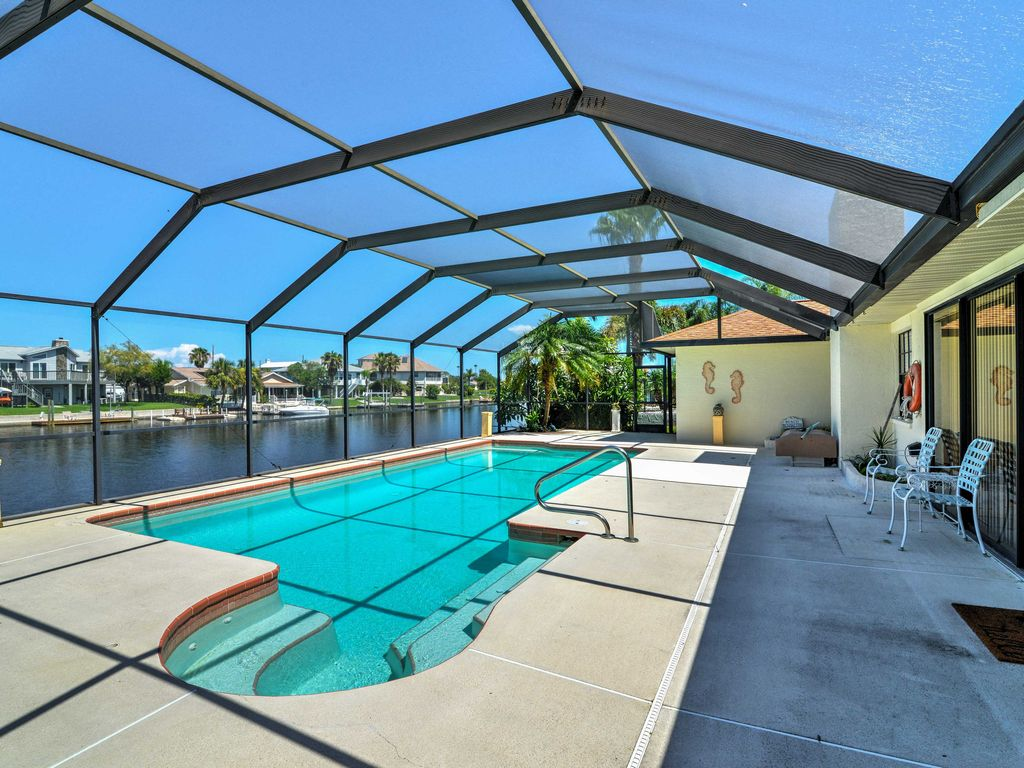 Nouveau 3br hernando beach waterfront house avec piscine for Alarme piscine home beach