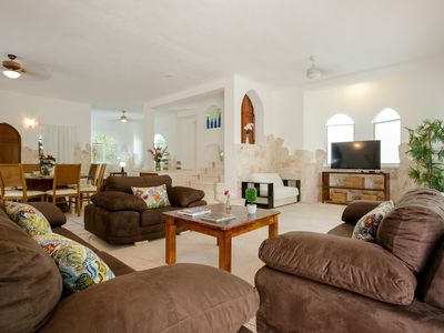 Photo for Villa 411 m from the center of Playa del Carmen with Air conditioning, Parking, Terrace, Balcony (704740)
