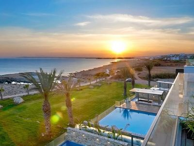Photo for Luxury Seafront Villa on 4 Floors with Elevator, A/C, Private Infinity Pool & Equipped Roof Terrace!