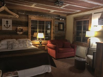 Photo for Rustic Cabin @ Pettit Bayside Resort: Cabin 1