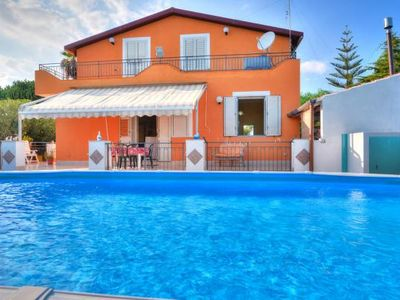 Photo for holiday home, Fontane Bianche  in Um Syrakus - 8 persons, 4 bedrooms