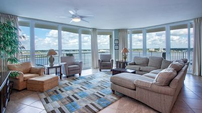 Photo for Beautiful Family-Friendly Corner Condo with Panoramic Views