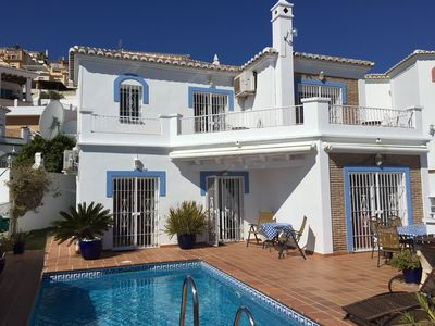 Photo for Luxury Villa, Private Pool, Sea & Mountain Views, Nerja outskirts. Wifi, Aircon.