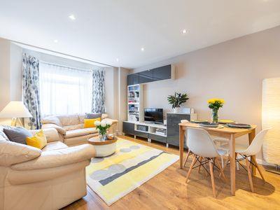 Photo for 2 bedroom stylish flat: quiet area, good transport links