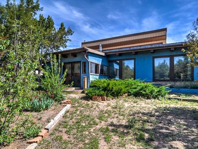 Chic Santa Fe Home at Dream Catcher Retreat Center