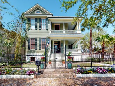 Photo for NEW LISTING! Gorgeous, updated Victorian w/deck & backyard - walk everywhere