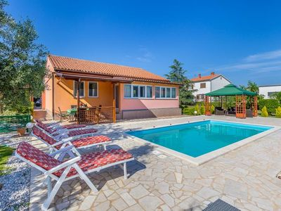 Photo for 3BR Villa Vacation Rental in Pula