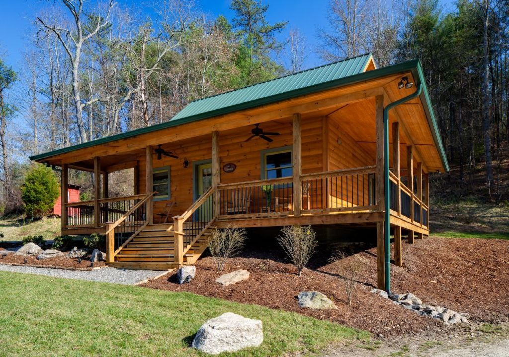 Cute cabin just north of asheville wrap around porch for Biltmore cabins asheville nc
