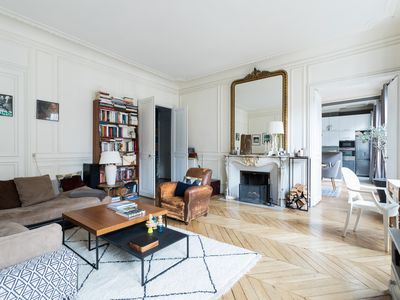 Photo for Rue Moncey - Two Bedroom Apartment, Sleeps 6