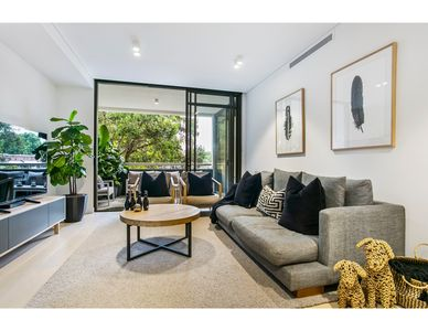 Photo for Sophisticated boutique apartment in ideal location