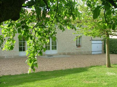 Photo for Charming cottage in a farmhouse in stone tuffeaux