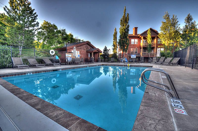 Lake & Mountain Views -Min to the Deer Valley Gondola! Clubhouse Access w/Pool & Hot Tub! (K203)