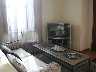 Photo for Ground floor apartment in central Lisbon where to sit outdoor, gaze and relax!