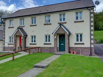 Photo for Tranquil Holiday Home in Swansea near Mountains