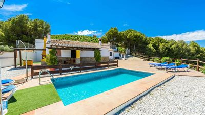Photo for Coquettish villa with fantastic mountains views