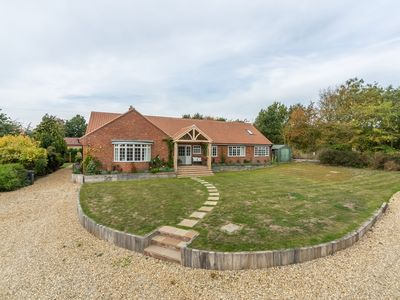 Photo for Lovely detached retreat centrally located in Burnham Market