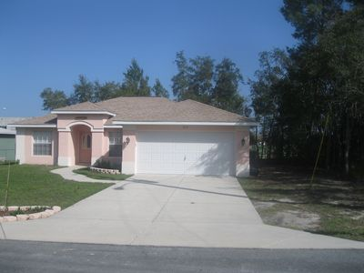 3 bedroom 2 bathroom home with smart TV and WiFi