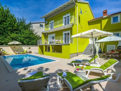 Photo for Beautiful villa with pool in Pula