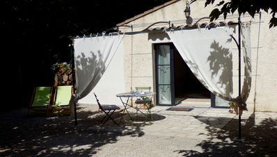 Photo for Room in Provence, between Alpilles and Luberon
