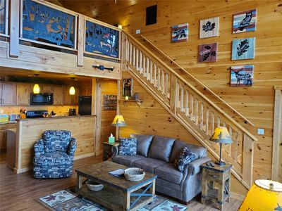ENJOY A SUMMER VACATION IN A BRAND NEW CABIN WITH FANTASTIC VIEWS!