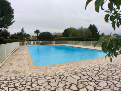 Photo for Air conditioning, newly renovated, 3 bedroom, 2 bathroom, pool, tennis, parking