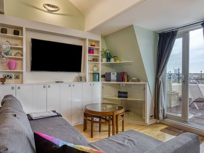 Photo for 3Bed Rooftop Apt in Little Venice, 5m to Tube