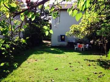 house 2 floors in MEAIPE 27999125140, near the Bacutia with large yard lawn