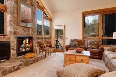 Great Room,17 Foot Rock Fireplace, Mountain View's