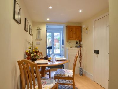 Photo for Beautiful apartment for 3 guests with WIFI, TV, pets allowed and parking