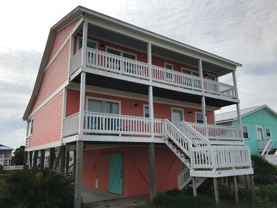 Photo for 4 bedroom, 2 bathroom, CANAL house, steps to the beach access.