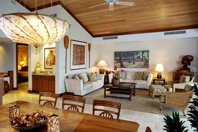 BEAUTIFULLY APPOINTED GREAT ROOM & DINING ROOM~OCEAN & GOLF COURSE VIEWS