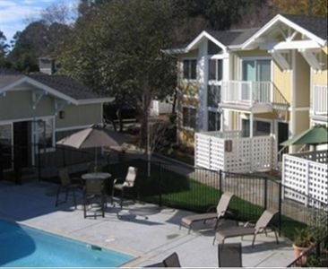 Photo for Special Monthly Rate  -- $3000 - $3750 / month -- 2 Blks to  Beach!  2 Bd Condo