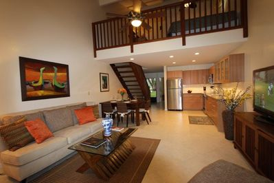 Spacious 2-story Townhouse with Loft