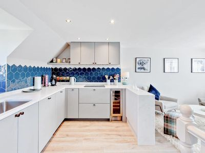 Photo for Gorgeous 2Bd Flat with Terrace in West Kensington