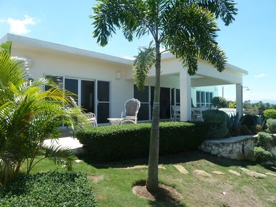Photo for 3 bedroom villa with pool and sea view