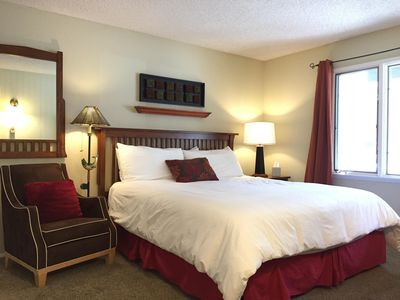 Photo for Discount with 7+ Nights! Next to Shuttle Stop and Vons!