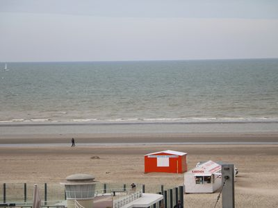 Photo for Oostduinkerke beach, side sea view, 3 bedroom apartment ideal for families